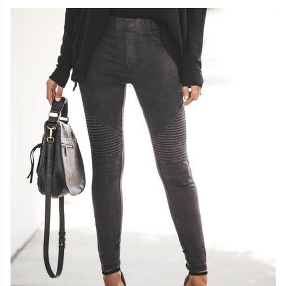 fa6cb7f044e6be Beulah Pants | Vici Collection Black Piper Jegging | Poshmark